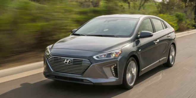 2017 Hyundai Ioniq raises the bar for a green car (Video)