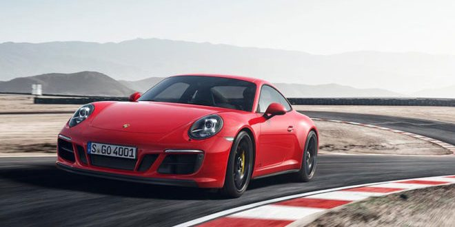 2017 Porsche 911 Carrera GTS: the perfect 911? (Video)