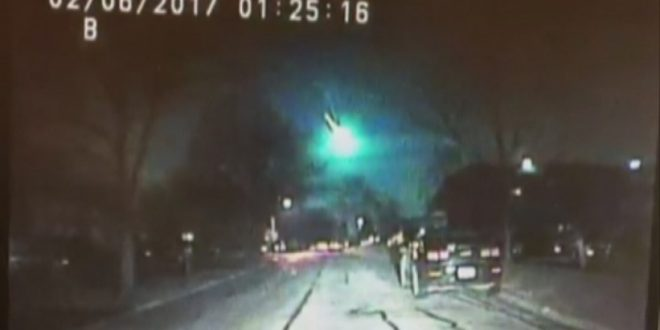 Dash cam captures magnificent meteor streaking across US sky followed by sonic boom (Watch)