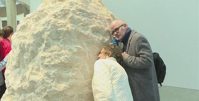 French artist entombed for a week in a rock says 'it's like tripping' (Video)