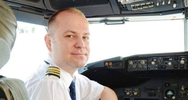 Drunk Pilot pleads guilty after passing out in cockpit