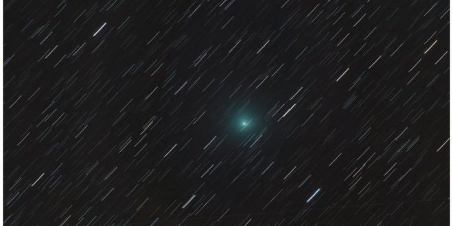 April Fools' Day Comet To Zoom By Earth Today, And that's no joke