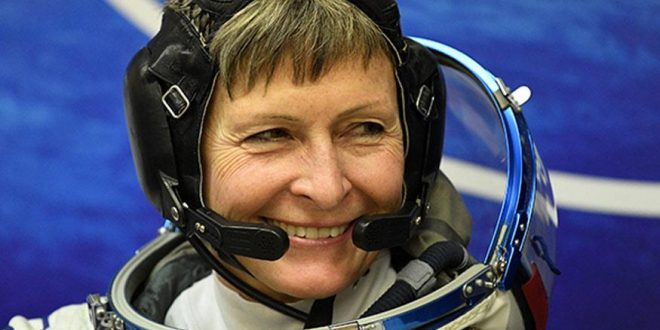 Peggy Whitson: Female US astronaut breaks spacewalk record