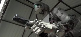 "Russia has built a terrifying robot which can fire guns, and is sending it into Space ""Video"""