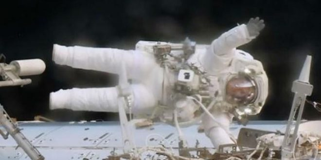 NASA astronauts replace computer during spacewalk