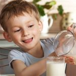 Kids who don't drink cow's milk are shorter, says new research