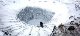 A Giant, Mysterious Hole Just Appeared in Antarctica