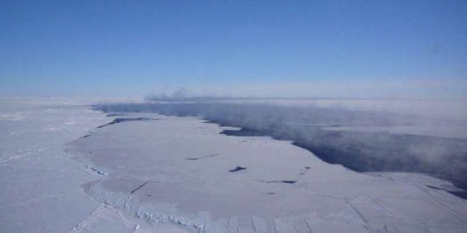 Massive Hole Has Opened Up in Antarctica (Report)