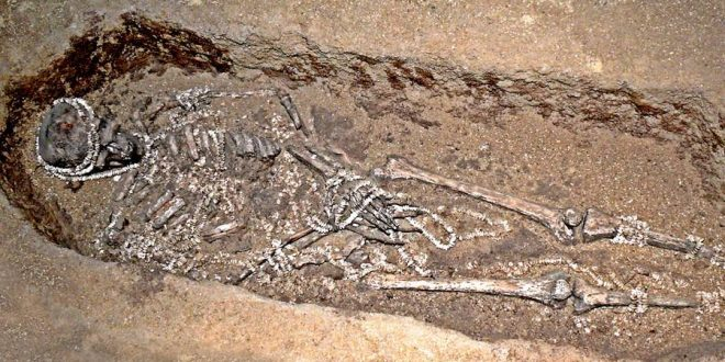 Prehistoric humans 'avoided inbreeding', scientists say