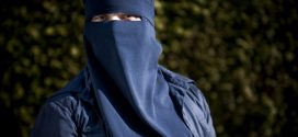 Quebec bans burqa for those receiving public services