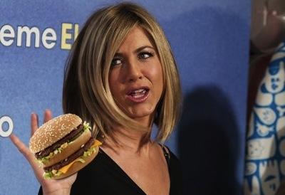 Jennifer Aniston : Actress has bad Big Mac reaction