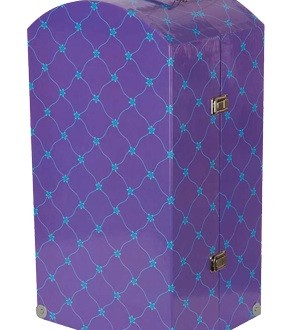 Recalled toys 2013 : The blue metal handle on the trunk can be sharp, presenting a laceration hazard to the user