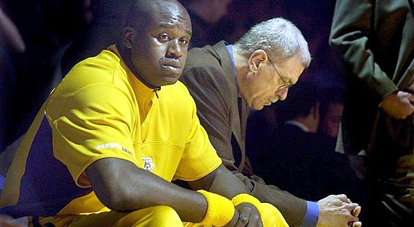Shaquille o'neal criticizes kobe bryant in book : Interview