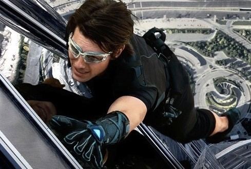 Tom cruise : mission impossible 5 to Premiere Christmas 2015