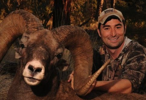 Corey Knowlton : texas Rhino Hunter Gets Death Threats