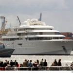 Roman Abramovich Installs Anti-paparazzi laser Photo Shield on World's Largest Yacht