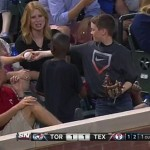 Young MLB fan's smooth move