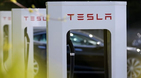 Tesla Motors Opens First Supercharger Station In Canada