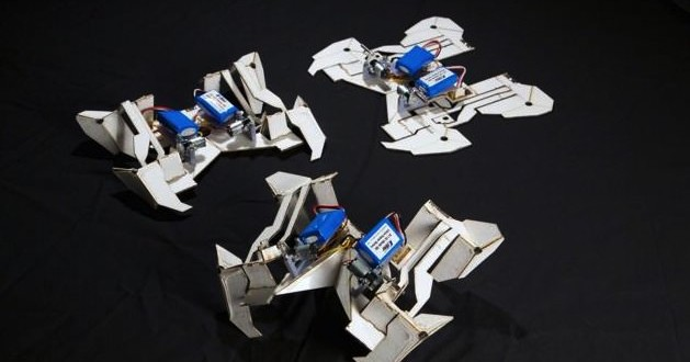Researchers make cheap robots that assemble themselves