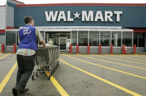 Walmart Changes Dress Code, Workers Pick Up Tab