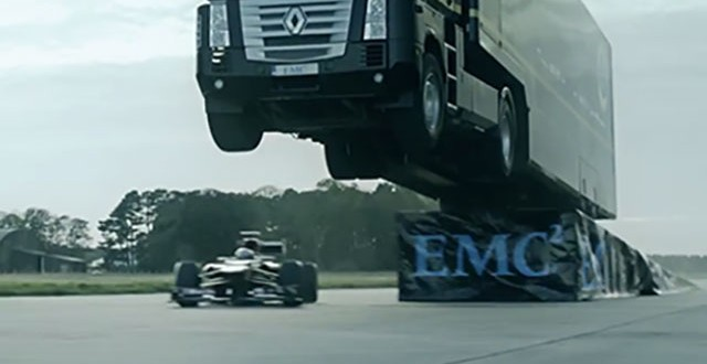 Semi Jump Record – Video: Big rig jumps F1 car, sets record