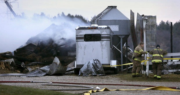 Stable fire kills more than 30 horses in Chicago suburbs