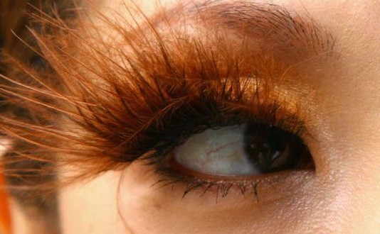 Long Lashes Bad For Eyes : Study Shows Extentions Can Harm Your Health