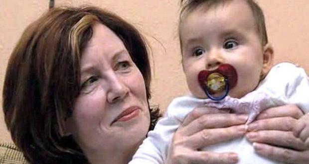 Annegret Raunigk : German Woman, 65, Gives Birth to Quadruplets