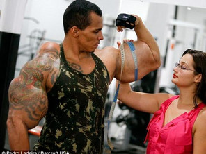 Bodybuilder Injections Arms Romario Dos Santos Alves risks his life by injecting oil into his biceps