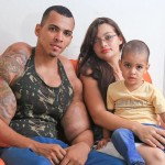 Bodybuilder Injections Arms - Video : Romario Dos Santos Alves risks his life by injecting oil into his biceps