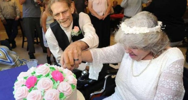 Terminally Ill Couple Fall In Love At Nursing Home And Get Married (Video)