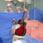 Brain Cancer Patient Plays Guitar During His Surgery (Incredible video)
