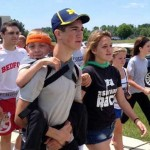 Hunter Gandee : Teen walking 57-miles with brother on back