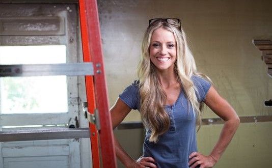 Nicole Curtis Pregnant Host Of Hgtv S Rehab Addict Teases Fans