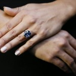 'Blue Moon' diamond tipped for auction record (Video)