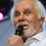 Kenny Rogers: U.S. singer will retire after world tour