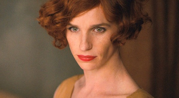 The Danish Girl First Trailer : Watch Eddie Redmayne transform into a woman (Video)
