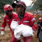 Guatemala landslide: A terrible shake, then roar as hillside collapses, killing at least 30, hundreds more missing