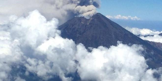 Bali Airport closed due to Mount Rinjani ash cloud, Report