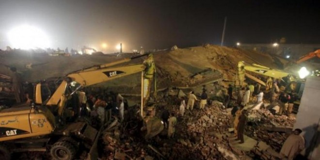 Pakistan factory collapse kills 20, over 100 rescued