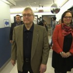 Quebec Health minister greets refugees at Montreal health clinic