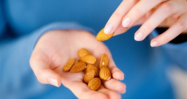 Eating almonds daily may boost health; says new Research