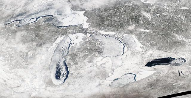 43 Years of Great Lakes ice cover flash before your eyes (Video)