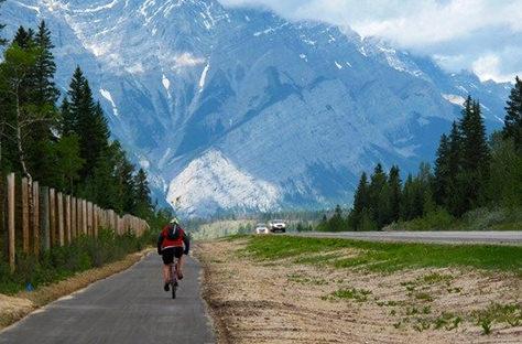 "Canada Opening 24,000 km Car-Free Bike Path ""Report"""
